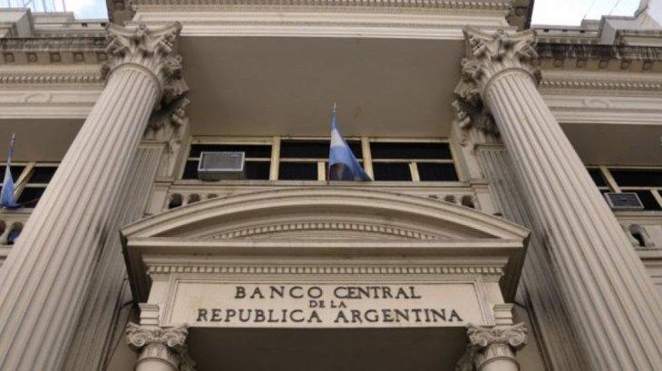 Caída de depósitos en moneda extranjera